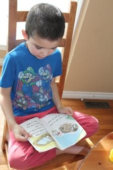 Ben is reading!!